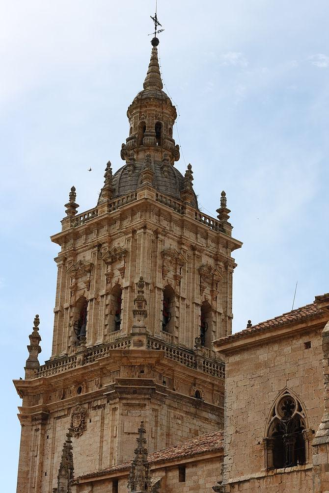 Deutsch: Turm der Kathedrale von El Burgo de O...